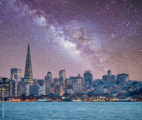 Leinwanddruck Bild San Francisco, California. Panoramic view of Downtown skyline on a starry night