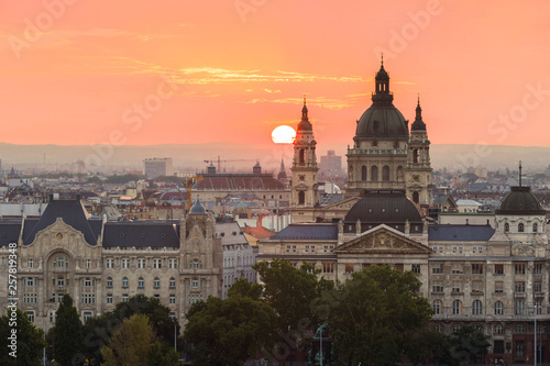 fototapeta na ścianę Morning view of St. Stephen's Basilica in Budapest, Hungary.
