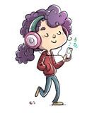 niña escuchando musica mientras camina