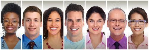 Smiling people faces © Kurhan