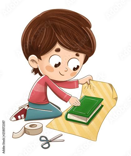 Niño envolviendo un libro para regalo - 258072387