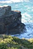 Puissance de l'Océan Atlantique à la Plage des Cathédrales près de Ribadeo en Galice, Espagne