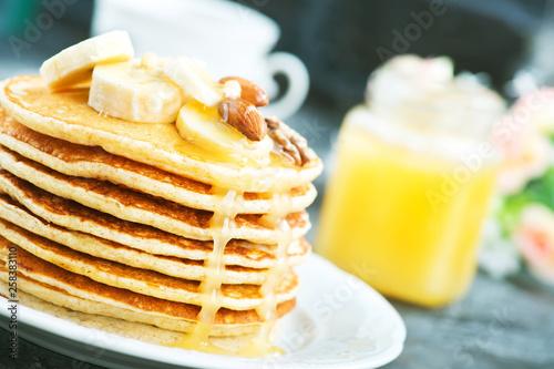 pancakes - 258383110
