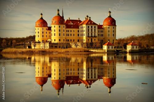 fototapeta na ścianę Moritzburg in autumn (Germany)