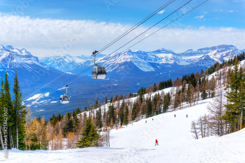 fototapeta na ścianę Skiing at Lake Louise in the Canadian Rockies of Alberta, Canada