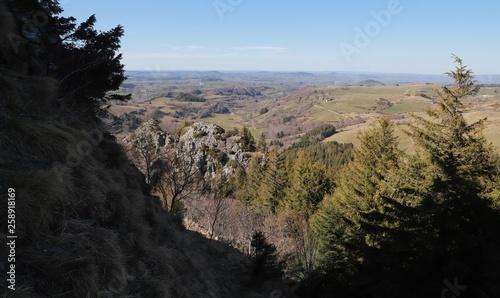 paysage du somment de la roche Sanadoire, Auvergne - 258918169