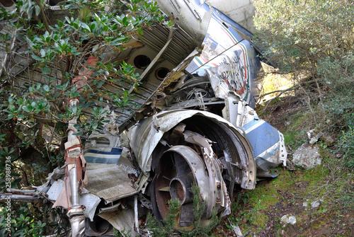 fototapeta na ścianę Resti del DC9 precipitato a Monte Conca d'Oru
