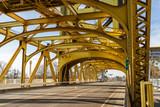 Tower Bridge Bruecke in Sacramento, Kalifornien, USA