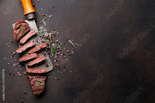 Top blade or denver steak - 259188718