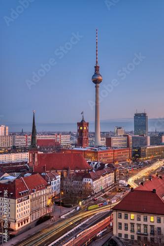 Leinwanddruck Bild The famous Fernsehturm in Berlin at dawn