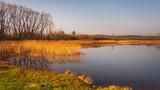 Fototapeta Bathroom - Wiosenny poranek nad jeziorem © marioszek