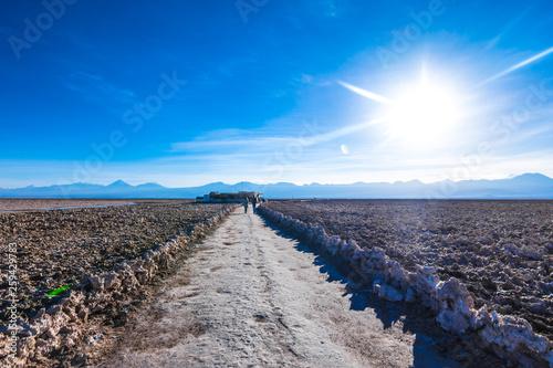 canvas print picture Weg in Salzwüste / Atacama Desert / Uyuni