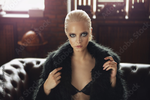 canvas print picture seductive glamour girl
