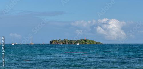 Ilet du Gosier en Guadeloupe - 259622359