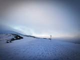 Fototapeta Room - Wschód słońca zimą w górach - Babia Góra, Beskid Żywiecki. Śnieżne góry © Michal