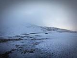 Fototapeta Fototapety na sufit - Wschód słońca zimą w górach - Babia Góra, Beskid Żywiecki. Śnieżne góry © Michal