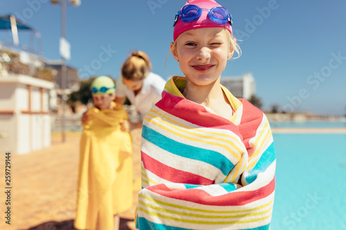 canvas print picture Girl having fun swimming learning session