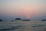 Ile paradisiaque et bateau