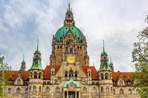 Leinwandbild Motiv New town hall in Hannover, Germany