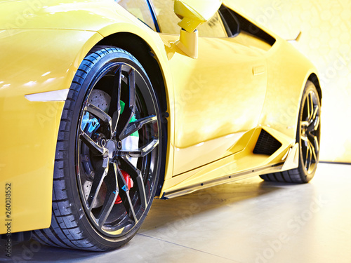 Yellow sports car - 260038552