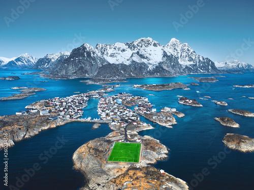canvas print picture Fußballplatz am Polarkreis auf den Lofoten