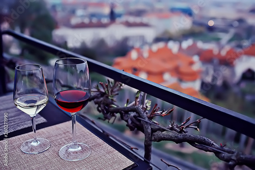 glass wine table © kichigin19
