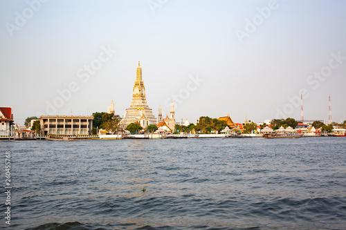 Fototapeten Bangkok wat arun in the morning Bangkok