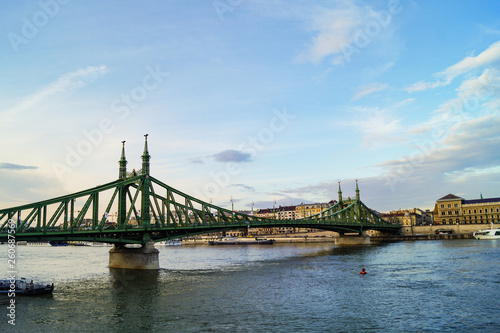 Budapest green bridge - 260687569