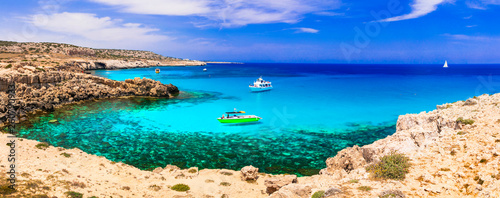 Leinwanddruck Bild Best beaches of Cyprus island. Outstanding beauty and cystal clear waters, Cape Greco bay