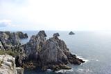 Rochers de la Pointe du Pen-Hir sur la péninsule de Crozon dans le département du Finistère, Camaret-sur-Mer, Parc naturel régional d'Armorique. Bretagne, France.