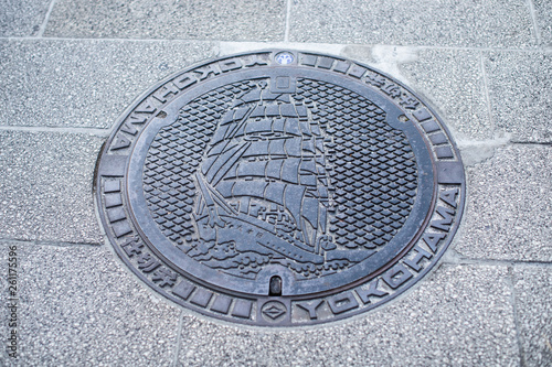 sewer cap / manhole cover / hatch with Yokohama ship © Morumotto