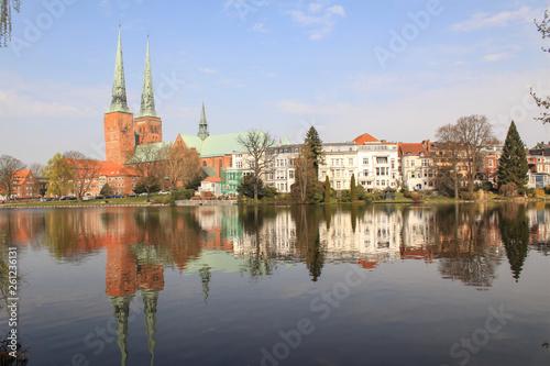 canvas print picture Romantisches Lübeck; Mühlenteich mit Dom