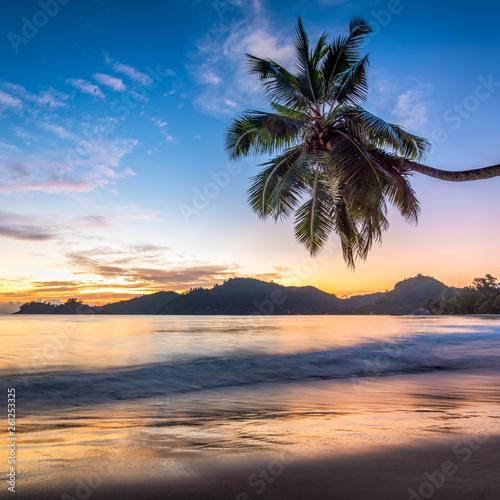 canvas print picture Urlaub auf einer tropischen Insel