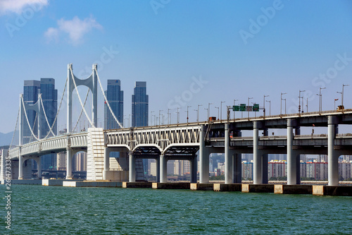 Fototapeten Brooklyn Bridge bridge over the bay