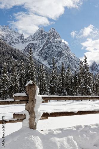 canvas print picture Alpen, Winter in den Bergen der Sextener Dolomiten, Südtirol, Pustertal, Italien
