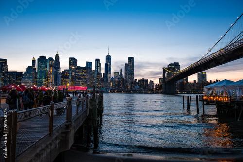 Fototapeten Brooklyn Bridge Brooklyn - USA: May 21, 2018: Skyline of Brooklyn by night