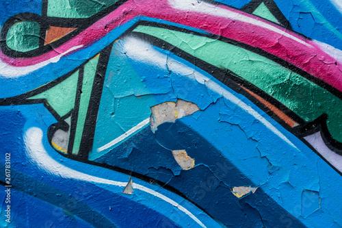 Putz bröckelt ab durch Graffities - 261783102