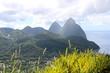 canvas print picture - Traumhafte Küste mit Bergen / St. Lucia / Karibik