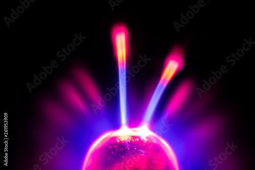 canvas print picture elektrisches Plasma in einer Glaskugel, mit Blitzen