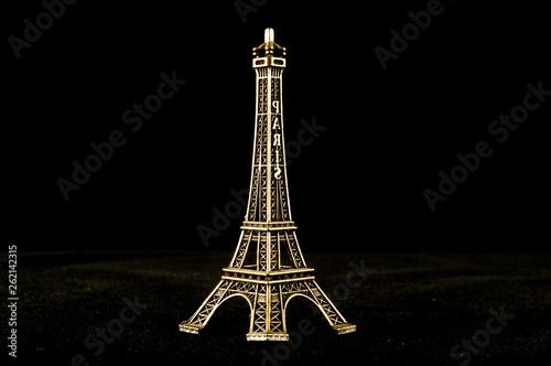 Eiffel Tower toy - 262142315