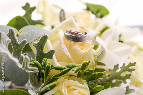 close up with beautiful wedding rings - 262250968