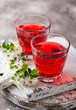 Leinwanddruck Bild - Glasses of healthy cherry juice
