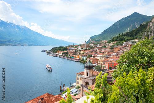 canvas print picture wunderschöner Urlaubsort Limone sul Garda am Gardasee