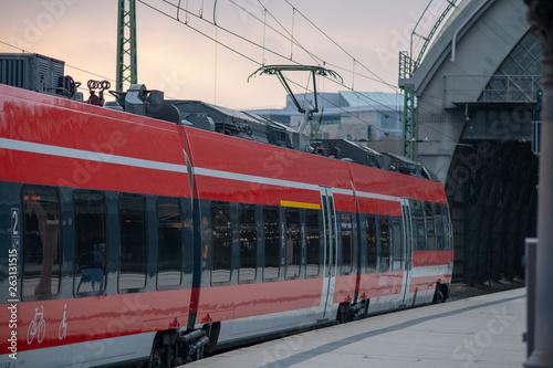 Züge Bahne Bahnhof Dresden