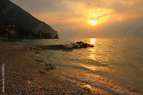 canvas print picture romantischer Sonnenuntergang in Gargnano am Gardasee