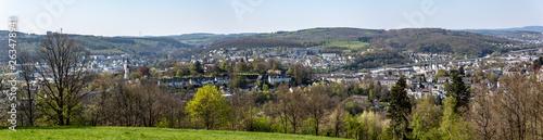 Panorama des bergigen Siegerlandes - 263478941