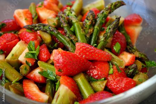 canvas print picture Erdbeeren Spargel Salat 02