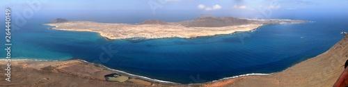 île de La Graciosa vue de Lanzarote, Canaries © Jacky Jeannet